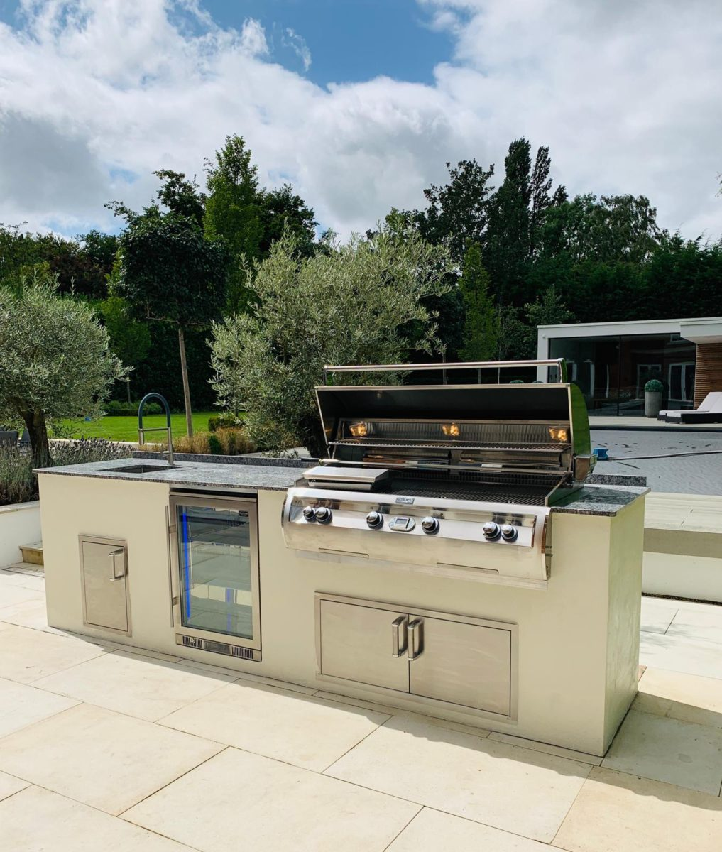 Amazing-outdoor-kitchen-by-london-essex-group