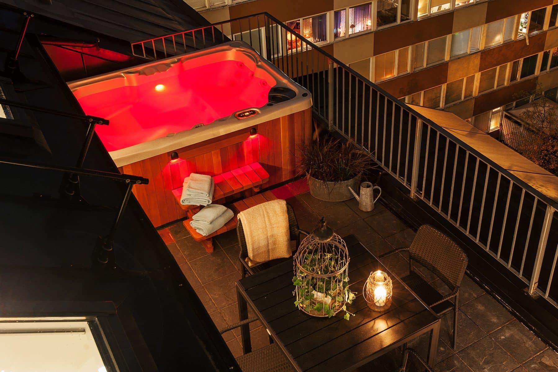 hot tub installation on balcony