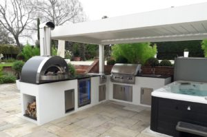 camargue with hot tub and outdoor kitchen