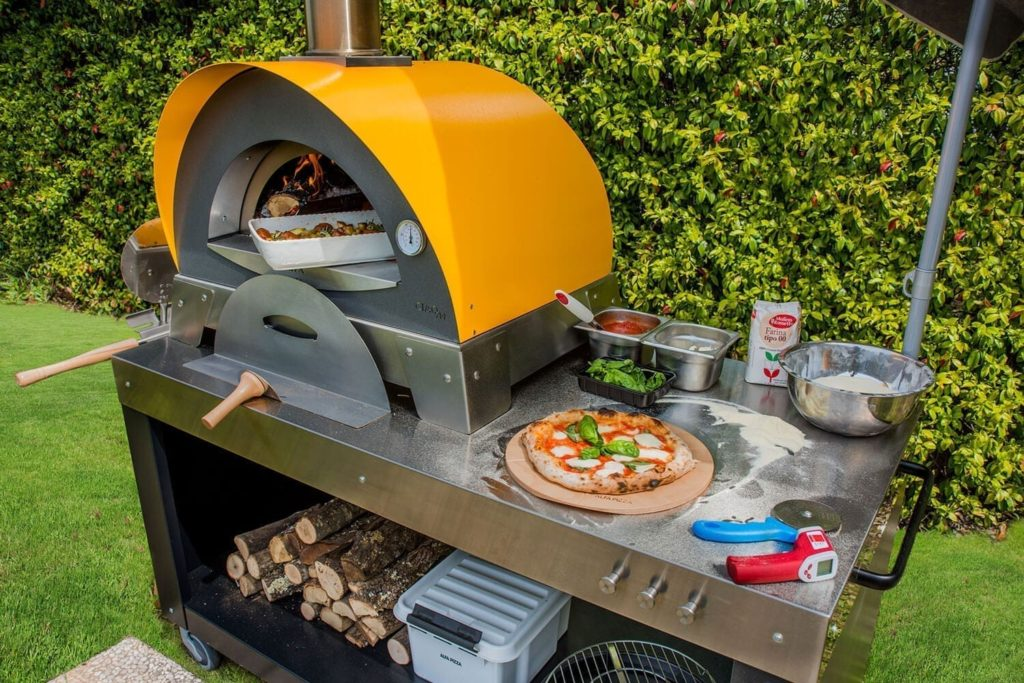 Alfa pizza oven with accessories